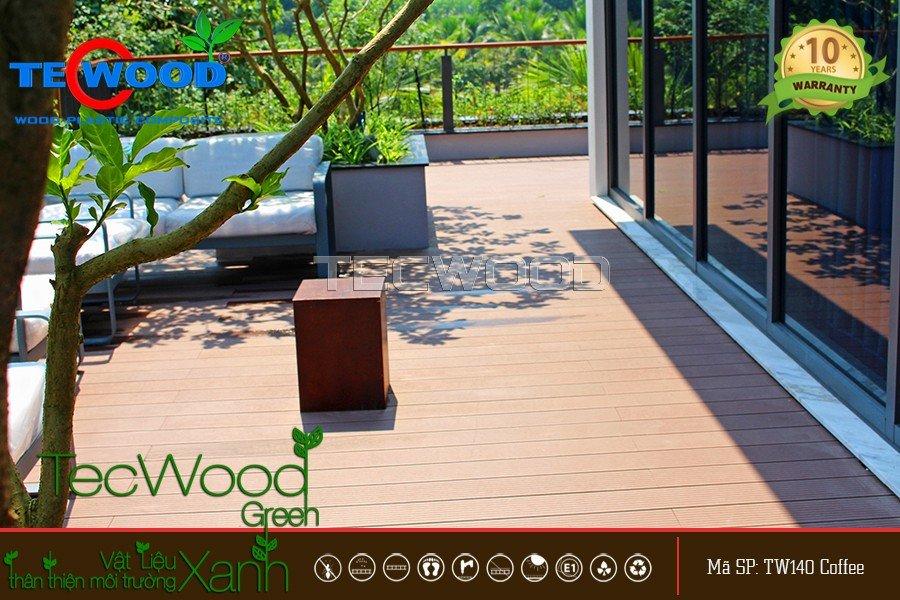 Không gian sân thượng Villa Ecopark lót sàn gỗ ngoài trời TecWood