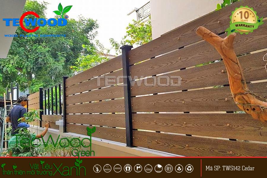 hàng rào vân gỗ nhựa