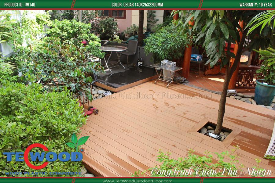 Sàn gỗ lót sân vườn đẹp 1