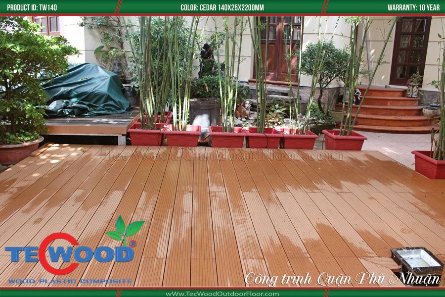 Sàn gỗ ngoài trời lót sân vườn.